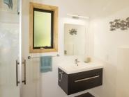 Treescapes accommodation Punakaiki – bathroom