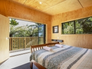 Treescapes accommodation Punakaiki – master-bedroom